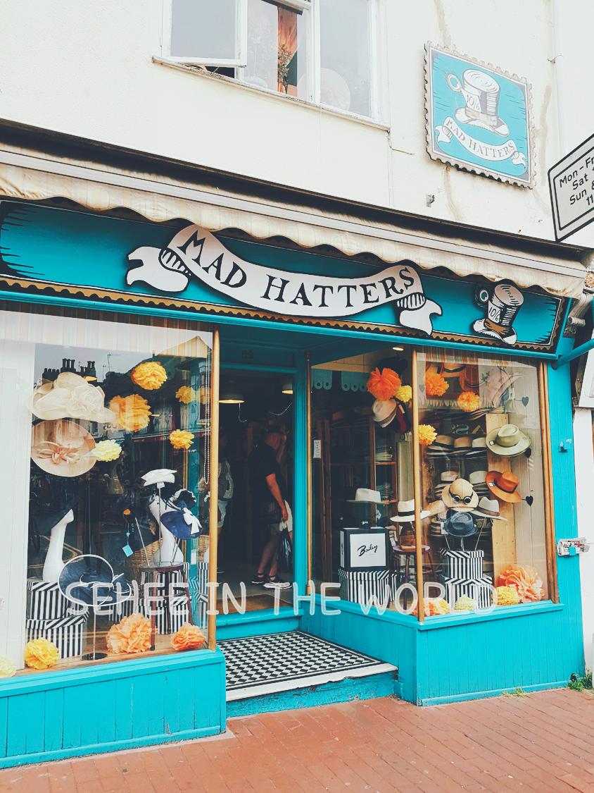 Pretty Shop, Brighton, hat